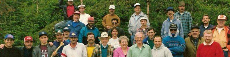 Photo de groupe des gens de l'église en 1991